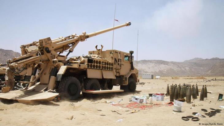 أسلحة سعودية على الحدود مع اليمن.