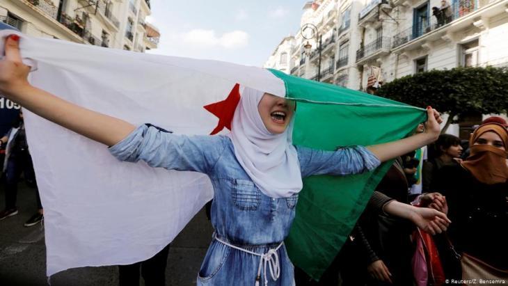 احتجاجات ضد بوتفليقة في 10 مارس / آذار 2019 في الجزائر العاصمة.  Foto: Reuters