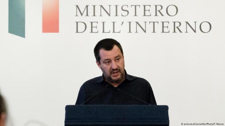 """ماتيو سالفيني، رئيس حزب """"الرابطة"""" الإيطالي اليميني المتشدد"""