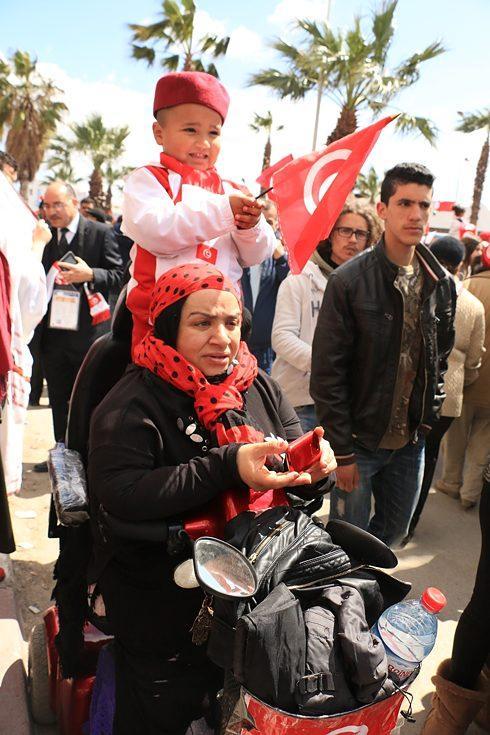 نساء تونسيات في احتجاج  - ربيع سنة 2012 - ضد حزب النهضة الإسلامي - تونس.  Foto: © Aya Chebbi