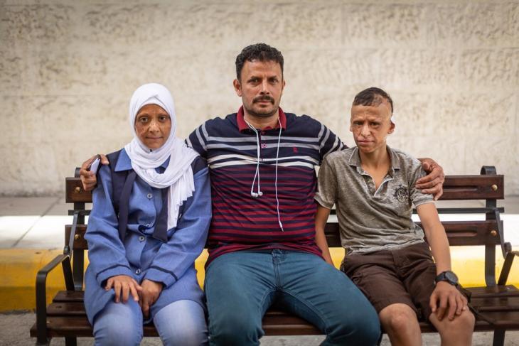 """طفلان يمنيان جريحان في مستشفى """"المواساة"""" في العاصمة الأردنية عمان.  Foto: Philipp Breu"""