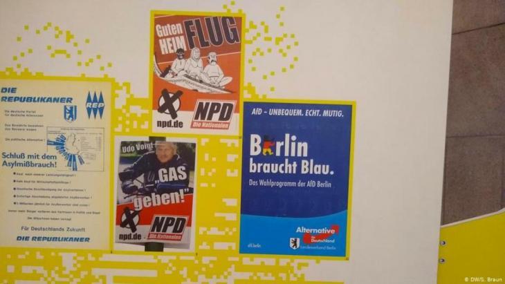 لافتات الدعاية الانتخابية لحزب البديل من أجل ألمانيا والحزب القومي الألماني النازي