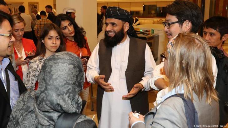سهيل شاهين ، ممثل حركة طالبان في محادثات الدوحة - قطر. (photo: Getty Images/AFP/K. Jaafar)