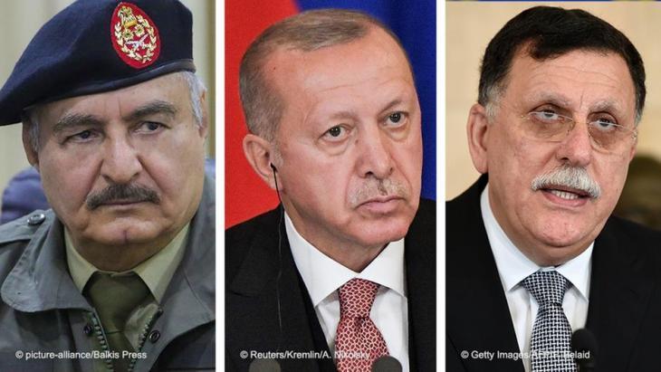 السراج وحفتر وإردوغان - صُوَر مُرَكَّبَة بعضها إلى جوار بعض.
