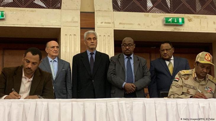 السودان ـ التوقيع بالأحرف الأولى على اتفاق بين المعارضة والجيش