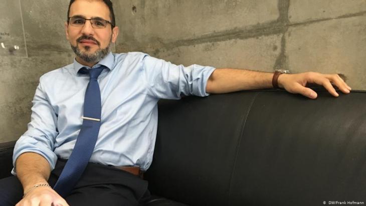 محمد عبد الله، مدير المركز السورية للعدالة والمسؤولية. الصورة: دويتشه فيله