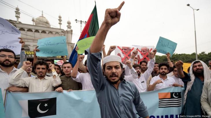 أنصار استقلال كشمير - مظاهرة في بيشاور الباكستانية. (photo: Getty Images/AFP/A. Majeed)