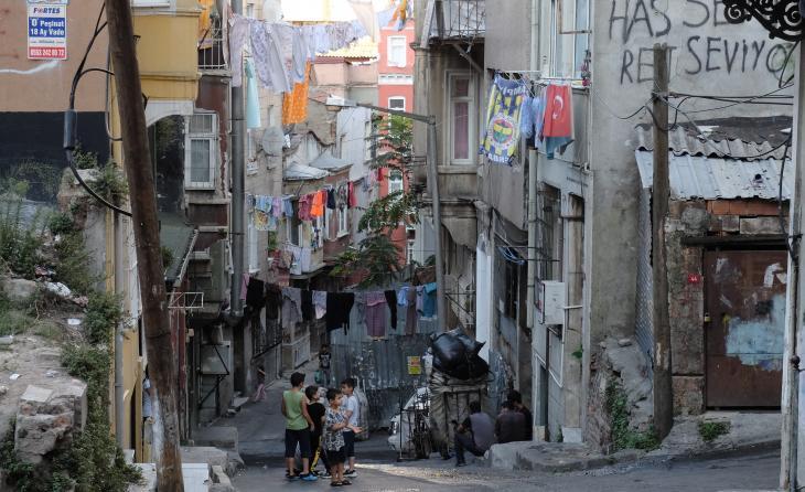 منظر لحي العمال والفقراء دولاب ديري - اسطنبول - تركيا. Foto: Ulrich von Schwerin
