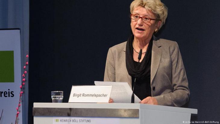 الباحثة في علم الجندر وأخصائيّة علم النفس بيرغيت روملسباخر.  Foto: Heinrich-Böll-Stiftung