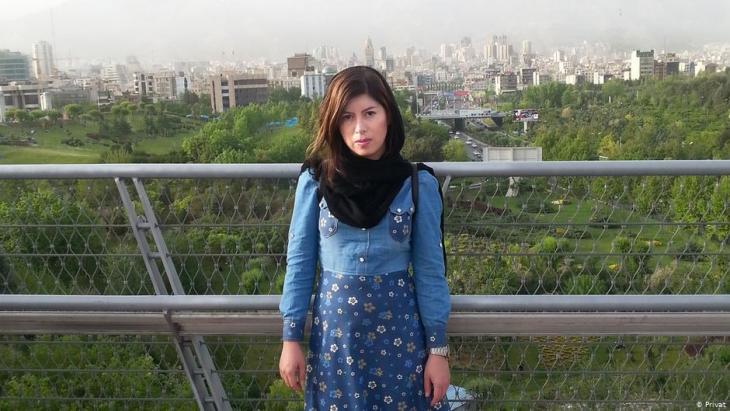 """كانت الموسيقية الإيرانية فرزانه ضامن في إيران مصنفة تحت ما يُطلَق عليه اسم """"موسيقيو ما تحت الأرض""""."""