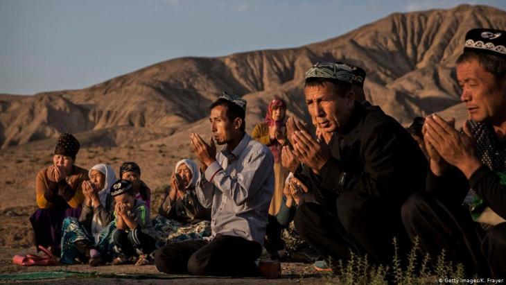 مسلمون إيغور في الصين في صلاة عيد الأضحى