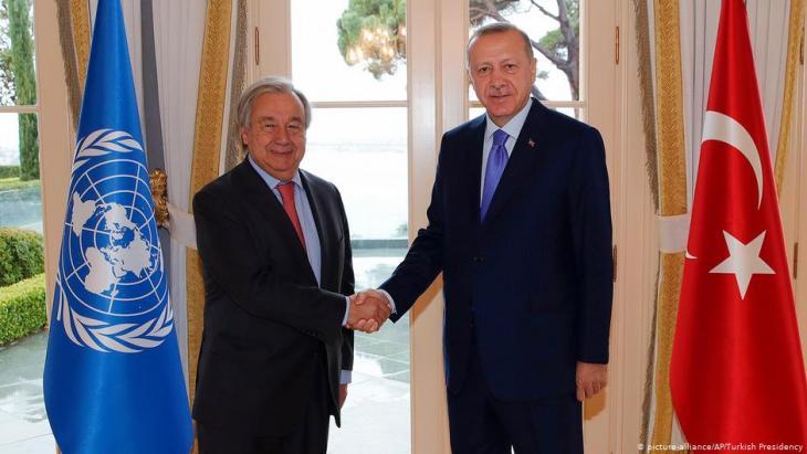 الأمين العام للأمم المتحدة، أنطونيو غوتريش مع الرئيس التركي إردوغان.