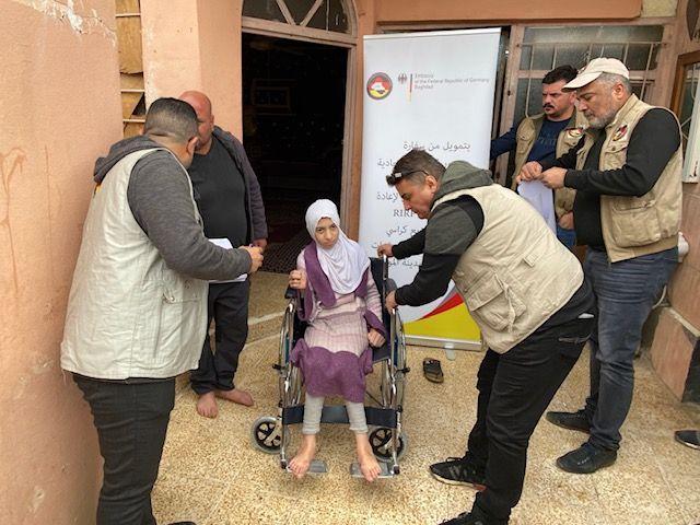 أمل عمرها خمسة عشر عامًا، وتعاني من إعاقة شديدة منذ ولادتها - الموصل - العراق.  Foto: RIRP