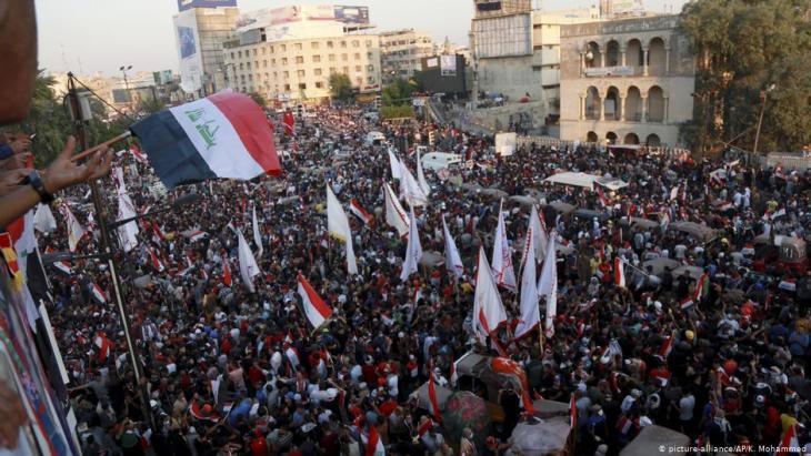 ناشطون ديمقراطيون في ميدان التحرير ببغداد - العراق. Foto: Reuters