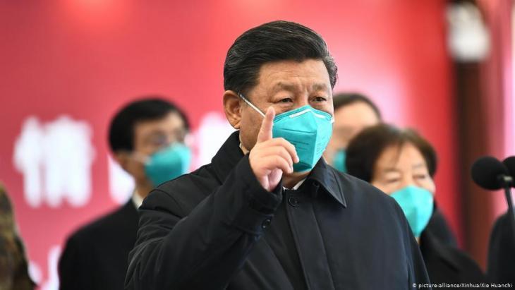 الزعيم الصيني شي جين بينغ في أول زيارة له إلى مدينة ووهان منذ تفشي فيروس كورنا. Foto: picture alliance/ Xinhua