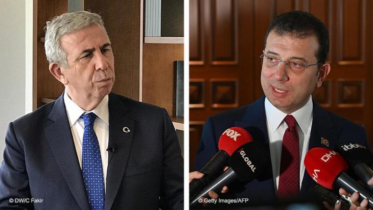 رئيس بلدية أنقرة منصور يافاش (إلى اليسار) ورئيس بلدية اسطنبول أكرم إمام أوغلو (إلى اليمين) - تركيا.  (photo: Getty Images/AFP/Ozan Kose)