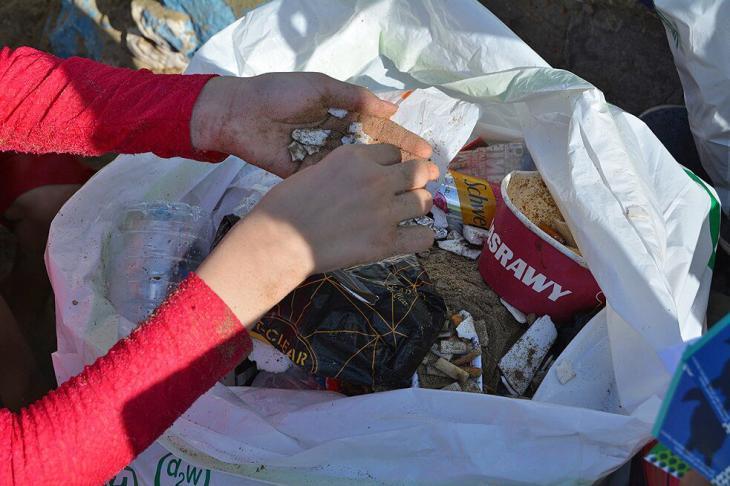 مبادرة بانلاستيك مصر: عمليات تنظيف الشواطئ في الإسكندرية، مصر. ©Banlastic Egypt