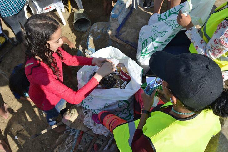 مظهر من مبادرة تجميع البلاستيك في مدينة الإسكندرية الساحلية. Foto: ©Banlastic Egypt
