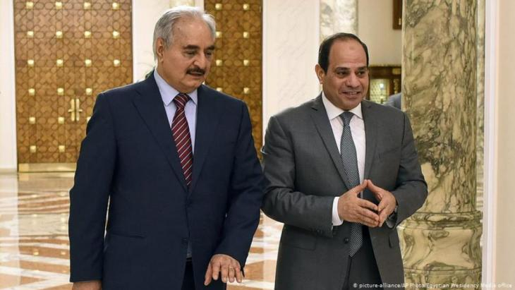 البرلمان المصري لم يذكر ليبيا بالاسم في تفويضه للجيش المصري بالقيام بعمليات عسكرية خارج الحدود