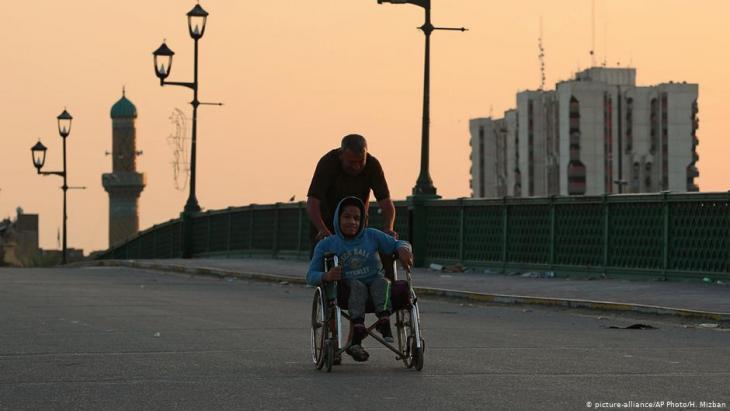 شوارع شبه خالية في بغداد - العراق.