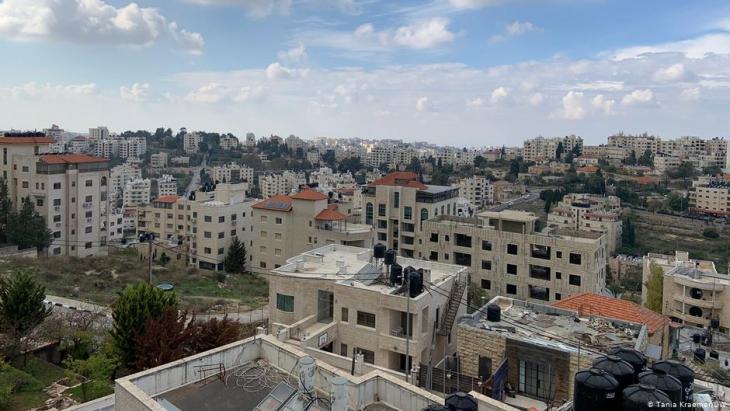 منظر من رام الله في الضفة الغربية الفلسطينية المحتلة.  (photo: DW/Tania Kraemer)