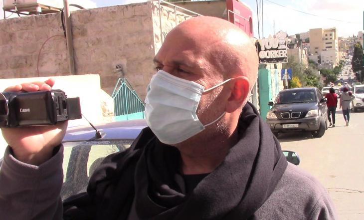 أثناء التصوير في زمن كورونا: الكندي كوري غيل شوستر مدير برنامج حل النزاعات والوساطة في جامعة تل أبيب – إسرائيل – فلسطين.