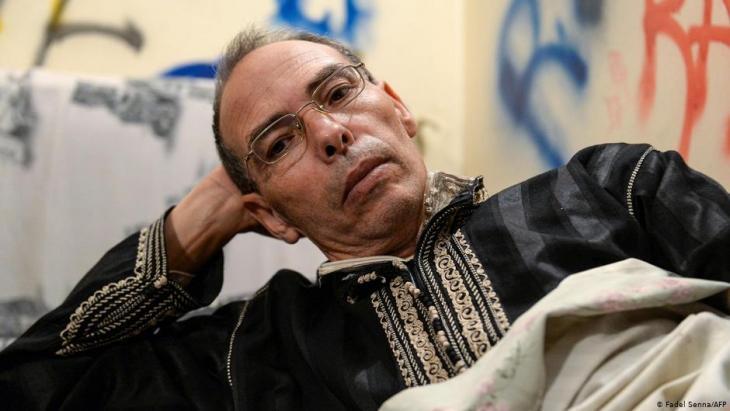 المؤرخ والناشط المغربي المعطي منجب (60 عاما) حكم عليه بالسجن النافذ.
