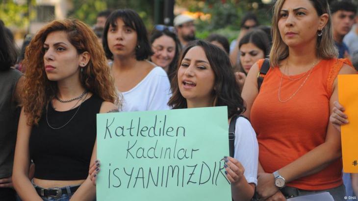 تظاهرة ضد العنف الموجه للنساء في تركيا (من الأرشيف)