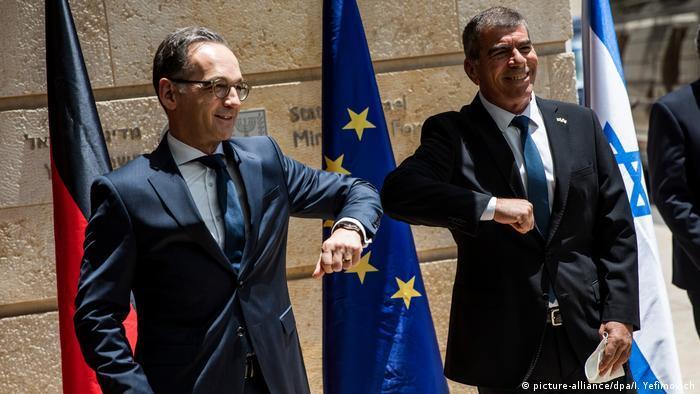 وزير الخارجية الألماني هايكو ماس يلتقي نظيره الإسرائيلي غابي أشكنازي في استعراض للتضامن أثناء التصعيد الأخير بين إسرائيل وحماس. (photo: picture-alliance/dpa)