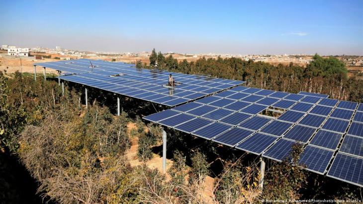 اليمن – ضرورة التحكم بكميات مياه الأرض التي تضخها مضخات الطاقة الشمسية بحيث لا تُستَنْزَف المياه الجوفية