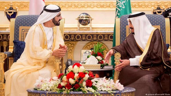 الملك السعودي سلمان وَحاكم دبي الإماراتي محمد بن راشد آل مكتوم