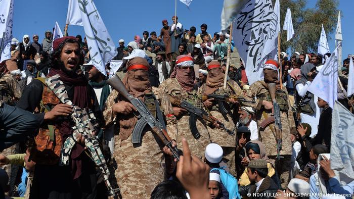 مقاتلون من حركة طالبان في أفغانستان - أرشيف.  Afghnistan - Wieder auf dem Vormarsch Kämpfer der Taliban Archivbild Photo afp