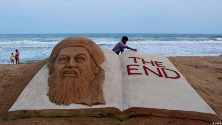 أسامة بن لادن تصوير رملي في الهند. Indien Sandskulptur Osama bin Laden Foto dapd