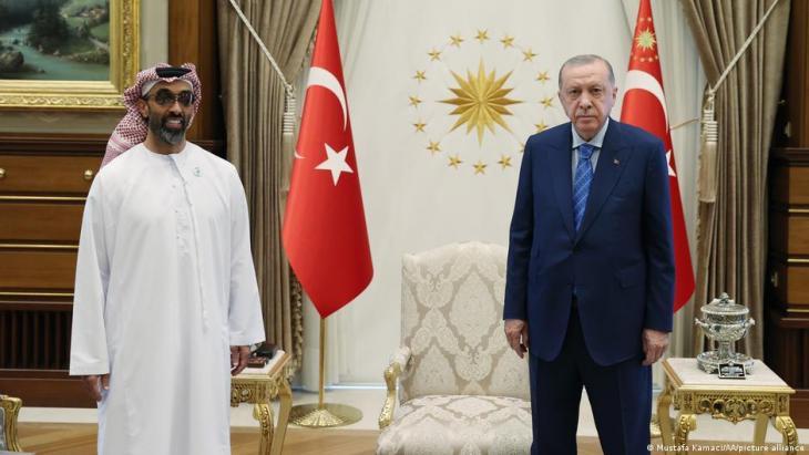 مستشار الأمن الوطني الإماراتي الشيخ طحنون بن زايد والرئيس التركي رجب طيب إردوغان في أنقرة - تركيا. türkei_recep_tayyip_erdogan_und_tahnoon_bin_zayed_al-nahyan_treffen_in_ankara_foto_picture_alliance
