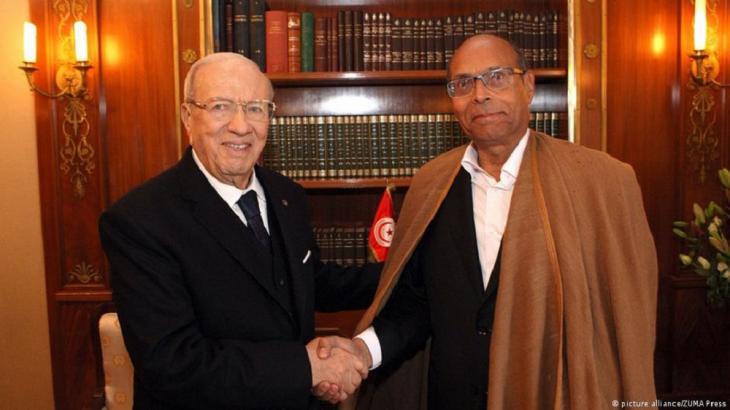 الرئيس التونسي الباجي قايد السبسي مع خصمه السياسي الرئيس التونسي منصف المرزوقي (Foto: Picture Alliance / Zumapress)