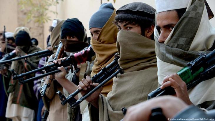مقاتلون من حركة طالبان أفغانستان.  (photo: picture-alliance/dpa)