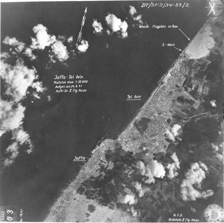 صورة ملتقطة من قِبَل طائرة استطلاع ألمانية نازية لمنطقة تل أبيب ومحيطها عام 1941. Foto NARA National Archives and Records Administration Washington