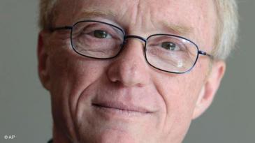 الكاتب والأديب الإسرائيلي المعروف دافيد غروسمان أحد مؤسسي حركة السلام في اسرائيل.
