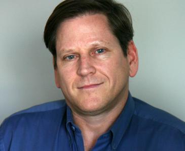 """فيل روبرتسون، نائب مدير فرع منظمة """"هيومن رايتس ووتش"""" في آسيا (photo: Human Rights Watch)"""