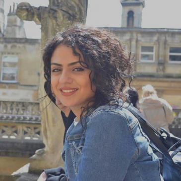 إيناس، خمسة وعشرون عامًا، تدرس الإدارة العامة في برلين (photo: private)