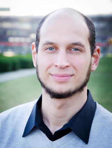 يعمل حازم فؤاد منذ عام 2011 كمختص في العلوم الإسلامية لدى وزارة داخلية مدينة بريمن الهانزية الحرة. Foto: © Marina Lilienthal