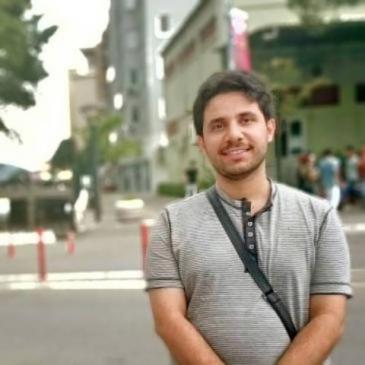 محمد تركي الربيعو كاتب وباحث سوري . يركز في مقالاته على الأدوات الانتربولوجية والسوسيولوجية . يكتب حاليا في القسم الثقافي لجريدة القدس العربي ، حيث يقوم برصد ما يكتب في الحقل الأنتربولوجي حول منطقة الشرق الأوسط.