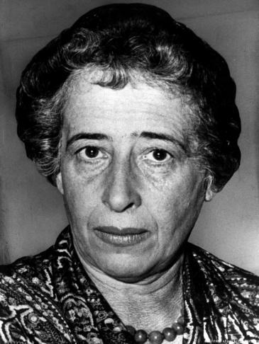 المنظرة السياسية والباحثة اليهودية ذات الأصول الألمانية حنة أرنِدت - عام 1958. Foto: dpa/picture-alliance