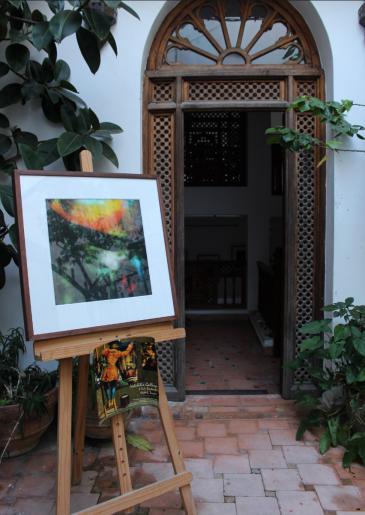 لوحة فنية مرسومة عند أحد مداخل مباني طنجة المغربية. الصورة: وصال الشيخ