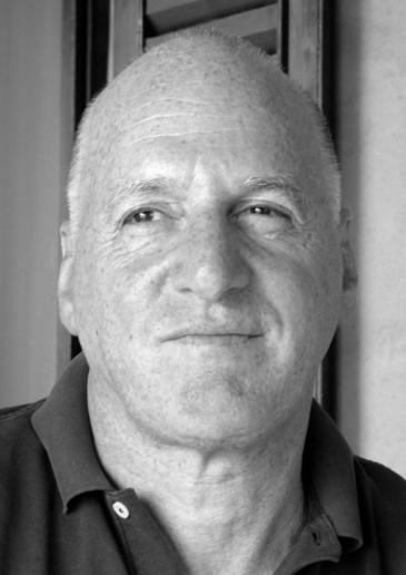 """يرى الباحث الإسرائيلي المعروف ديفيد رَنَان أن """"العداء لليهود في الشرق مرتبط  بظروف المنطقة. وهذا مختلف عن تقليد العداء لليهود في أوروبا الذي اتخذ أشكالا دينية واقتصادية وعنصرية ويجد بدايته في الحقد على الشعب الذي سلم المسيح للصلب، ليبلغ ذروته مع الهولوكست"""".  (Foto: privat)"""