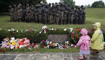 نحت تذكاري في ألمانيا لأطفال من ضحايا النازية لأنهم من ذوي الإعاقات والاحتياجات الخاصة: الصورة منصور حسنو