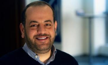 الإعلامي الفلسطيني رامي منصور يعمل مديرا لموقع عرب 48