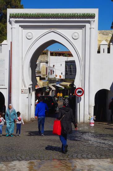 باب - مدخل إلى مدينة طنجة القديمة - المغرب. Foto: Claudia Mende
