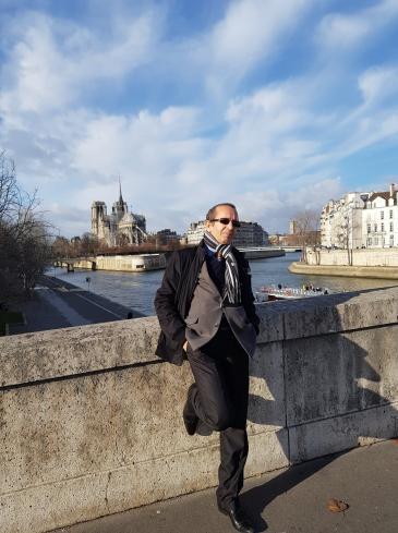 الكاتب الجزائري إبراهيم مشارة.