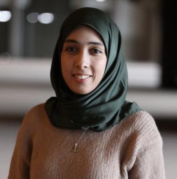 أمل كنزاري سيدة أعمال من الدار البيضاء عمرها ثمانية وعشرون عامًا. Foto: privat